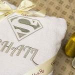 Белый именной махровый именной халат с вышитым логотипом Супермена