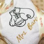 Именной махровый халат с изображением боксерских перчаток