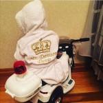 Именной детский махровый халат с вышивкой короны