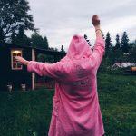 Розовый халат с капюшоном для oksfrei
